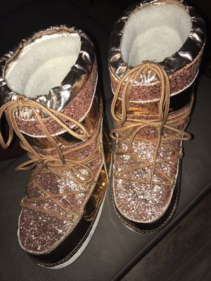Metallic pink color fashionable snow boots for Sale in Philadelphia, PA