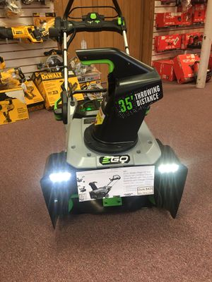 """New 21"""" Ego Battery Power Snow Blower Kit. SNT2102 for Sale in Newton, MA"""