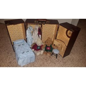 Vintage/ Antique doll house with classic handmade dresses for Sale in Pflugerville, TX