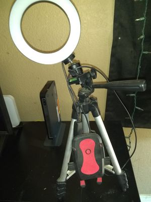 Ring light with desk tripod and phone holder for Sale in Citrus Heights, CA