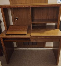 Desk for Sale in Columbus,  OH