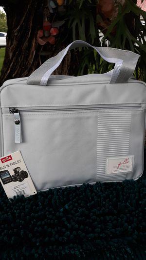 Golla DSLR & Tablet camera bag Macyn light gray NEW for Sale in Miramar, FL
