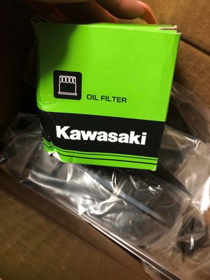 BRAND NEW! Oil filter and 2 quarts of oil for Kawasaki Motorcycle 2000-2008. for Sale in Hammond, IN