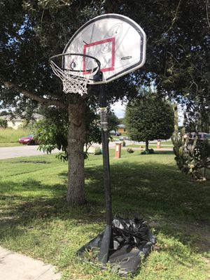 Basketball hoop for Sale in Port St. Lucie, FL