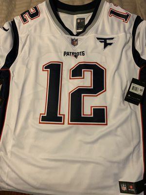 Brand new Nike Patriots Tom Brady Jersey. Faze clan patch. for Sale in Ontario, CA