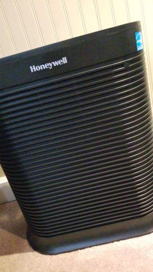 Only used once Honeywell air purifier for Sale in North Las Vegas, NV