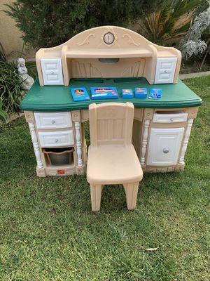 Step 2 kids desk for Sale in Fontana, CA