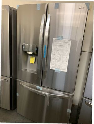LG 23.5 cu. ft. Smart French Door Refrigerator, Dual Ice Makers with Craft Ice Same day or next day delivery available for Sale in Whittier, CA