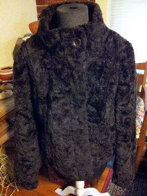 Vintage faux fur size large new!!! for Sale in San Diego, CA