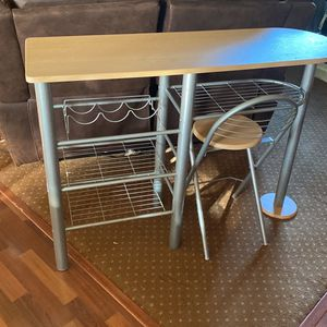 Table & Chairs for Sale in Tacoma, WA