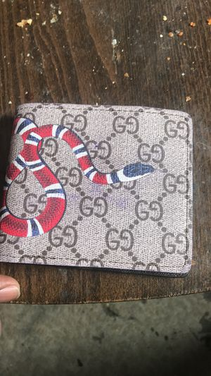 Gucci wallet for Sale in New Britain, CT
