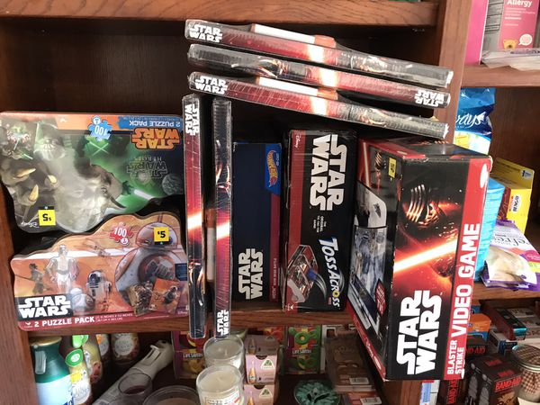 Star Wars toys and puzzles,video game