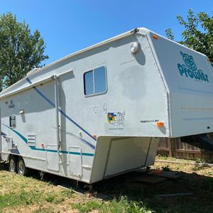 2002 prowler fifth wheel for Sale in Oakley, CA