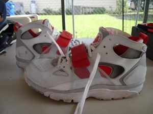 Nike Air Huarache Shoes Size 11 for Sale in Fort Meade, FL