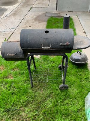 Charbroil BBQ Grill & Smoker for Sale in Fresno, CA