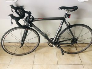 Bike bicycle Trek mardone 5.2 full carbon for Sale in Houston, TX