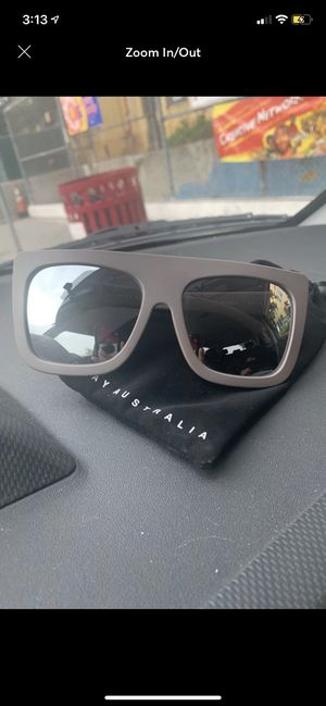 Quay sunglasses for Sale in Los Angeles, CA