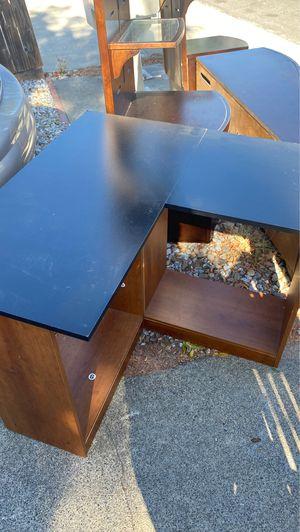 Corner desk for Sale in Vacaville, CA