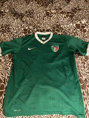 Mexico retro jersey in good condition size is medium for Sale in Perris, CA