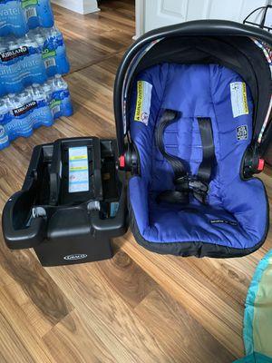 Graco car seat for Sale in Mundelein, IL