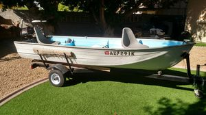 12' aluminum fishing boat for Sale in Glendale, AZ