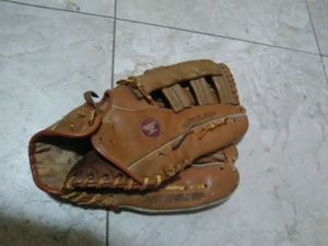 Baseball softball glove Tropical Park for Sale in Miami, FL