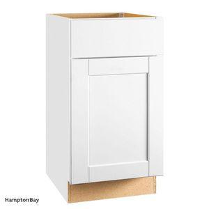 Hampton Bay Shaker Assembled 18x34.5x24 in. Base Kitchen Cabinet for Sale in Dallas, TX