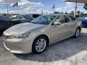 2013 lexus es 350 loaded for Sale in Miami, FL