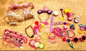 Girls girly dress up toy bundle / gifts / kids / Christmas /Juguetes de niñas for Sale in Tolleson, AZ