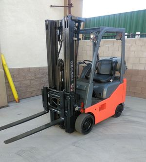 2010 TOYOTA FORKLIFT FOR SALE for Sale in Tustin, CA
