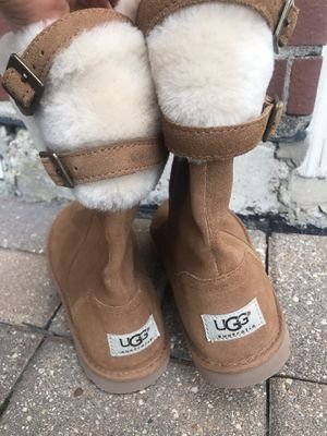 💥Brand New UGG Boots for Sale in Glenview, IL