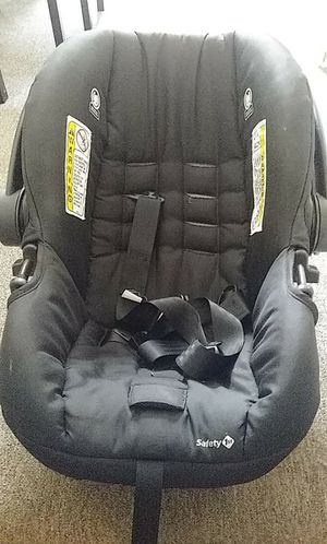 Black Safety 1st car seat for Sale in Lebanon, PA