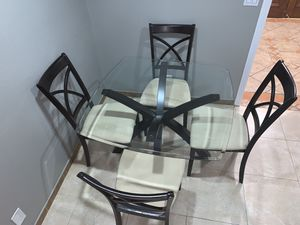 Breakfast Area Glass Table with 4 chairs for Sale in Culver City, CA