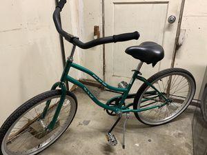 Cruiser bike - cute and like new ! for Sale in Concord, CA