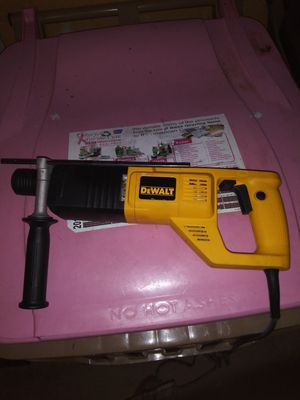 DEWALT DW565 ROTARY HAMMER DRILL for Sale in Cumming, GA