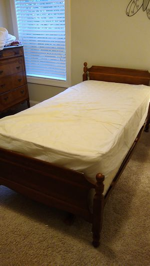 Twin bed, mattress, and box spring for Sale in Knightdale, NC