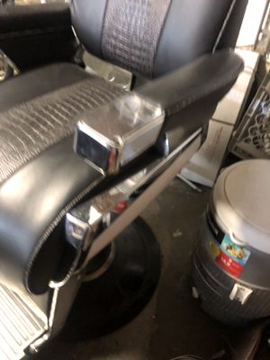 Belmont barber chair for Sale in Walnut Creek, CA