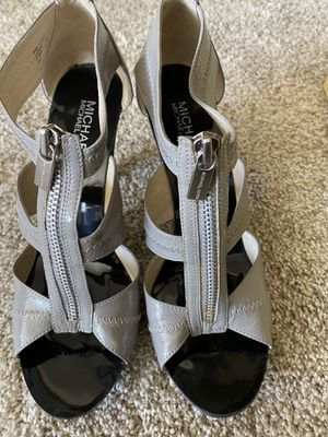 Excellent condition Michael Kors heels size 8.5 for Sale in San Diego, CA