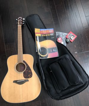 Yamaha FG700s guitar for Sale in Arcadia, CA