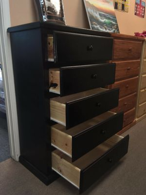 Pinewood Dresser 5 Drawer for Sale in Pomona, CA
