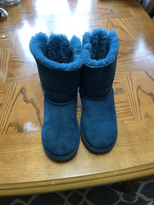 Ugg size 5 for Sale in Hermitage, PA