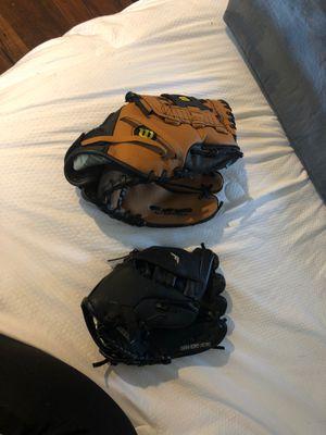 Baseball gloves for Sale in Mundelein, IL