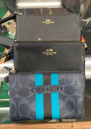 Coach Wristlet Wallet for Sale in San Bernardino, CA