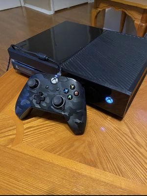 Xbox one w/ Kinect for Sale in Washington, DC