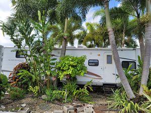 Catalina coachman 32 BHDS 2010 travel trailer for Sale in Miami, FL