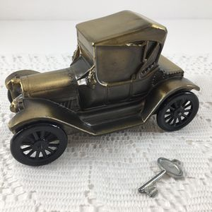 Vintage 1915 Car Metal Bank Banthrico Inc. Chicago USA for Sale in Boring, OR