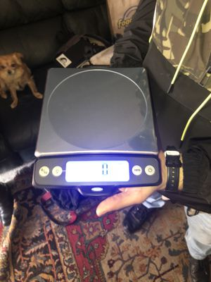 Digital kitchen scale with pull out display for Sale in Concord, CA