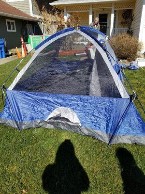 Alpine design 5 person tent for Sale in Tacoma, WA