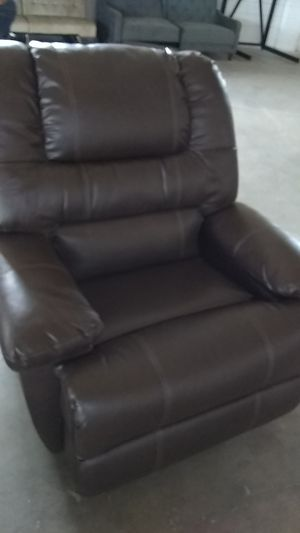 Recliner $100 defect item for Sale in Dallas, TX