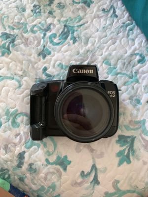 CANON EOS A2 FILM CAMERA with SIGMA ZOOM AF-3 lense for Sale in Los Angeles, CA